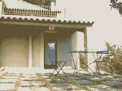 Chambres d'hotes Bouches du Rhône, à partir de 54 €/Nuit. Maison/Villa, Rognes (13840 Bouches du Rhône), Jardin, Internet, WiFi, 1 chambre(s) simple(s), Tennis, Velo, Vue campagne, Orientation est-ouest, Non Fumeurs, Animaux non a...