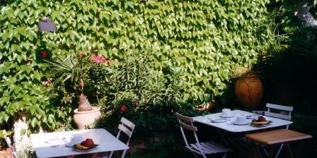 L'Evéché The terrace