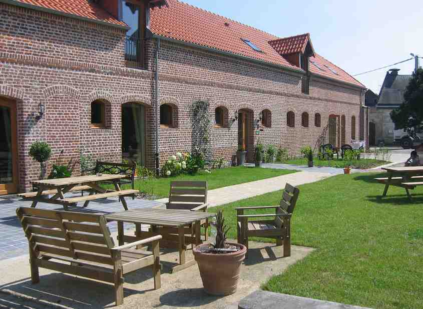 Bed & breakfasts Nord, from 57 €/Nuit. Farm, Cambrai (59400 Nord), Charm, Guest Table, Jacuzzi, Garden, Park, Disabled access, WiFi, Baby Kits, Parking, Air-Conditioning, 1 Single Bed(s), 4 Double Bedroom(s), 1 Suite(s...