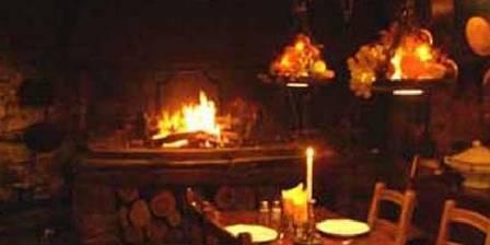 La Ferme Les grillades dans la cheminée