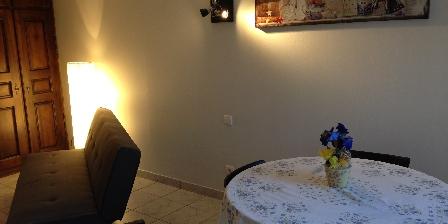 Gite Gîte de Fontepaisse >  la pièce à vivre et le cuisine > Cliquez ici pour agrandir cette photo