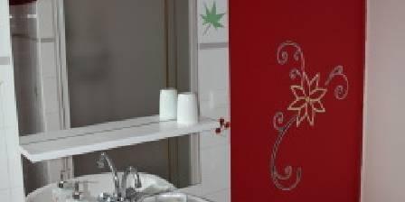 Gite Gîte de Fontepaisse > Un coin déco de la salle de bains Zen de Fanny > Cliquez ici pour agrandir cette photo