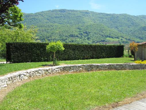 vue de la piscine sur les Monts Royans