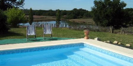 Les Galards Swimming-pool and small lake