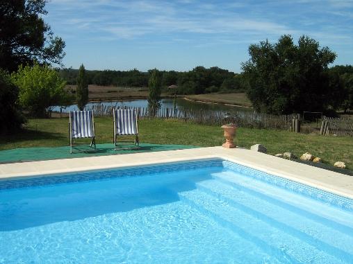 la piscine et l'étang