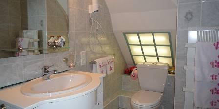 Les Hautes Gatinières Une salle de bains