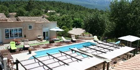 Hippône Vue sur piscine et chambres extérieur