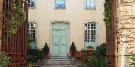 Chambre d'hotes Hotel de Digoine > L'entrée de la cour d'honneur