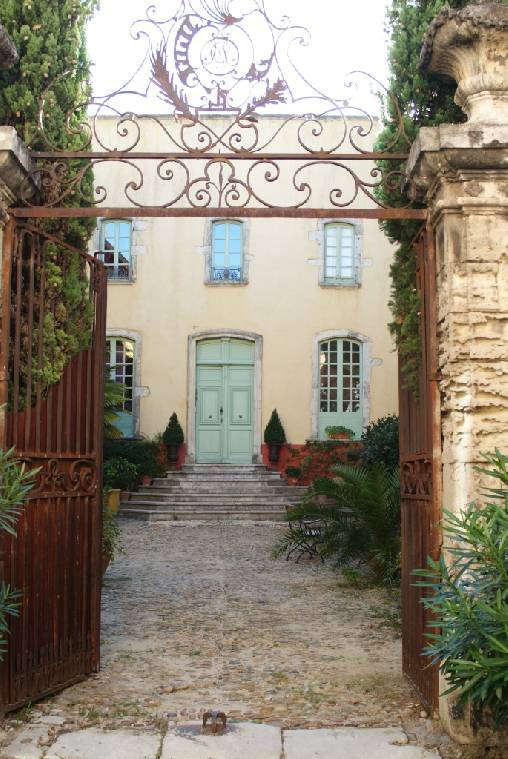 Bed & breakfasts Ardèche, from 99 €/Nuit. Unusual, Bourg Saint Andéol (07700 Ardèche), Charm, Guest Table, Swimming Pool, Sauna, Garden, Disabled access, Net, WiFi, T.V., Baby Kits, Parking, Air-Conditioning, 6 Double Bed...
