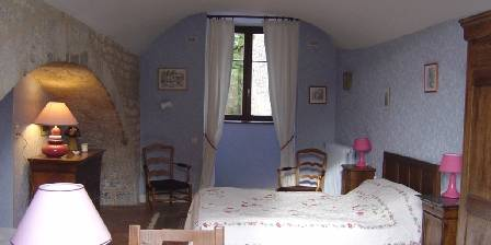 Bed and breakfast Gite de Moronville > Chambre Myosotis > Click here to enlarge photo