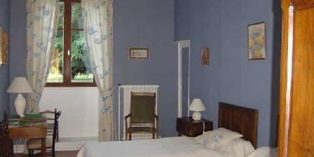 Bed and breakfast Gite de Moronville > Chambre Gentiane > Click here to enlarge photo