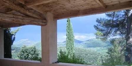 Mas d' Icard Vue de la terrasse couverte