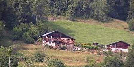 La ferme du Molliet La ferme a flanc de colline