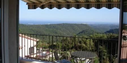 La Rocheliere Terrasse de la chambre Rubis