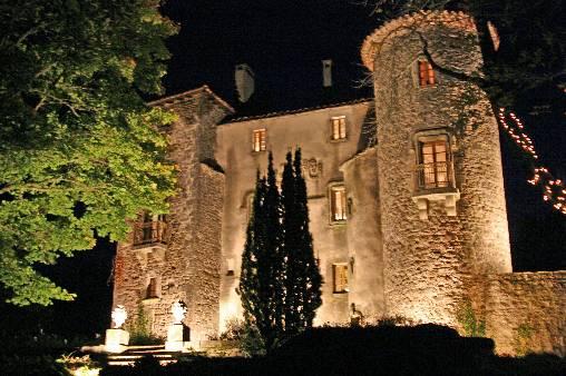 chateau la nuit