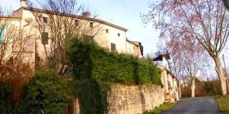 Location de vacances Le presbytère de Cestayrols > Le presbytère (côté campagne)