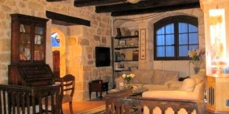 Location de vacances Le presbytère de Cestayrols > Le salon