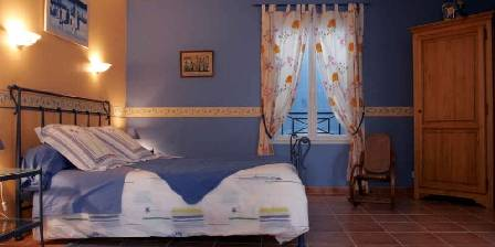 Chambre d'hotes Le Mas Bleu > chambre ocane > Cliquez ici pour agrandir cette photo
