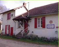 Chambres d'hotes Dordogne, à partir de 30 €/Nuit. Maison/Villa, Mialet (24450 Dordogne), Table d`hôtes, Jardin, Parc, Internet, WiFi, Téléviseur, Equipements Bébé, Parking, 1 chambre(s) simple(s), 3 chambre(s) double(s), 1...