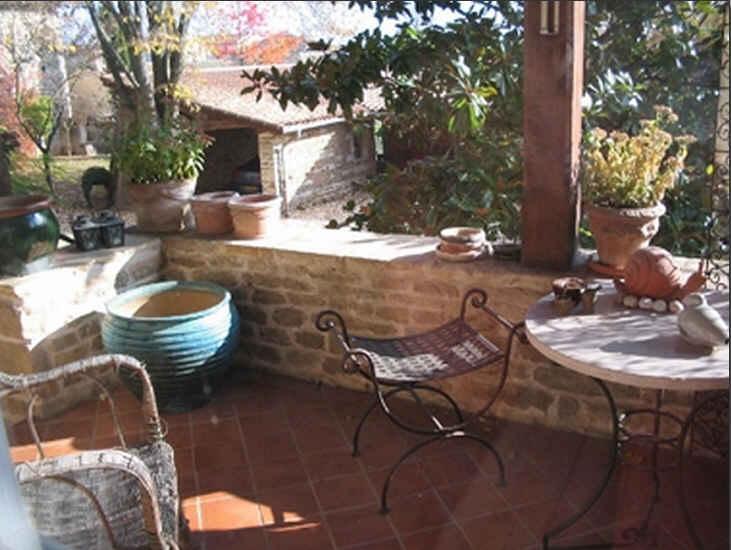 Chambre d'hote Saône-et-Loire - terrasse pour le petit déjeuner
