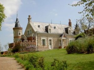 Bed & breakfasts Sarthe, from 80 €/Nuit. Castle, Unusual, SaintJean de la Motte (72510 Sarthe), Charm, Luxury, Guest Table, Swimming Pool, Sauna, Jacuzzi, Garden, Park, T.V., Baby Kits, Parking, 4 Single Bed(s), 8 Double...
