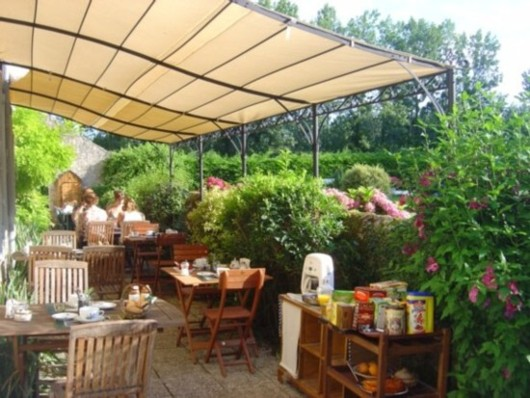 bed & breakfast Loir-et-Cher - Breakfast outside