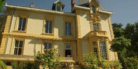 Chambre d'hotes Villa Roassieux > Villa Roassieux - vue façade