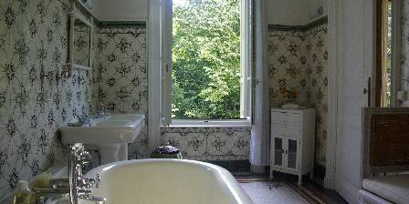 Villa Roassieux Bathroom of the Cedar bedroom