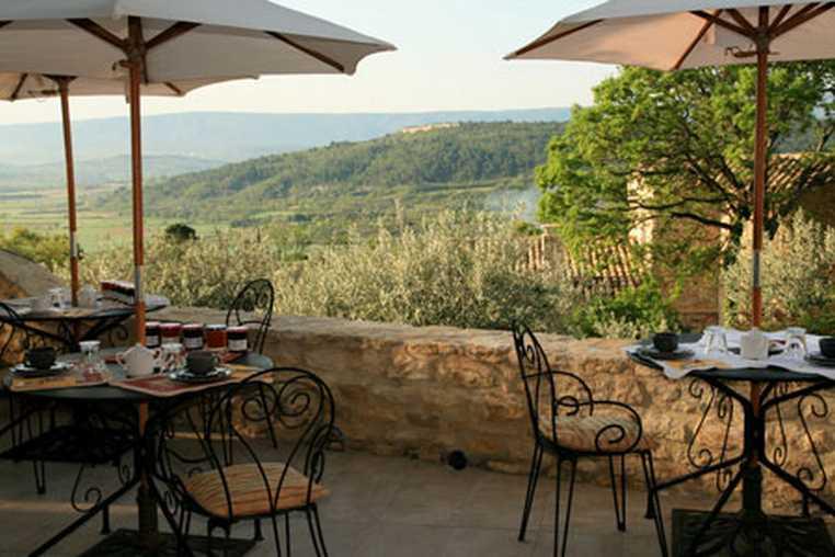 Chambre d'hote Vaucluse - Petit déjeuner face au Luberon