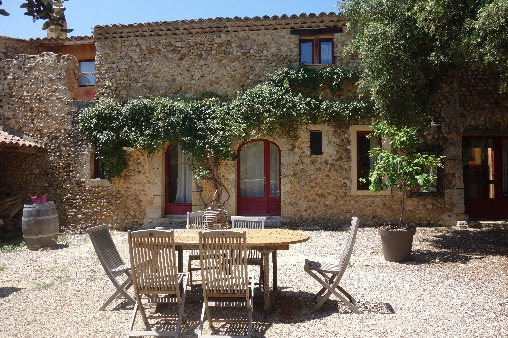 Bed & breakfasts Alpes de Haute Provence, from 49 €/Nuit. House of character, Saint Martin de Bromes (04800 Alpes de Haute Provence), Charm, Garden, Net, Baby Kits, 3 Double Bedroom(s), 6 Maximum People, Lounge, Library, 3 épis, Travel C...