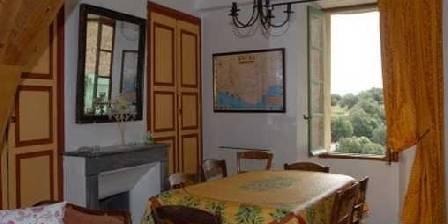 Maison Castely Gîte - La salle à manger
