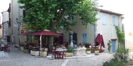 Maison Castely Place du village
