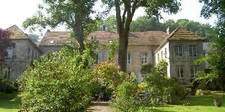 L'ile aux Peintres La maison vue du jardin