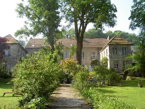 Chambres d'hotes Aisne, à partir de 93 €/Nuit. Château, La Ferté Milon (02460 Aisne), Table d`hôtes, Parc, WiFi, Téléviseur, 5 chambre(s) double(s), 11 personnes maximum, Salon, Cheminée, Gite De France 3 épis, Carte Bl...