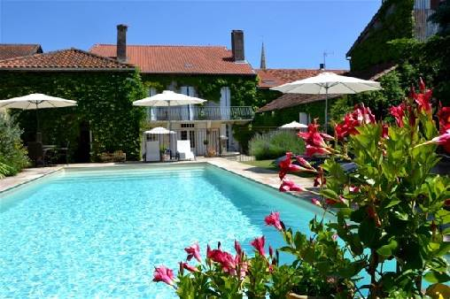 Bed & breakfasts Gers, from 75 €/Nuit. House of character, Marciac (32230 Gers), Charm, Swimming Pool, Sauna, Jacuzzi, Garden, Net, WiFi, 3 Double Bedroom(s), 1 Suite(s), 8 Maximum People, Lounge, Library, 4 épis Gites...