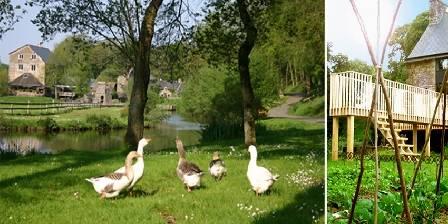 Location de vacances La maison des Lamour > la vallée et l'auberge