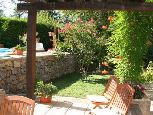 Bed & breakfasts Var, from 70 €/Nuit. House/Villa, Varages (83670 Var), Charm, Guest Table, Swimming Pool, Garden, Net, WiFi, Baby Kits, Parking, 3 Double Bedroom(s), 1 Childrens Bedrooms, 8 Maximum People, Lounge, Ch...