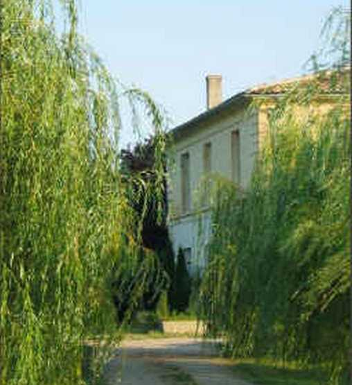 Bed & breakfasts Gironde, from 65 €/Nuit. Fronsac (33126 Gironde), Charm, Luxury, Guest Table, Swimming Pool, Garden, Park, T.V., Parking, 5 Double Bedroom(s), Lounge, Library, Chimeney, Gites De France, Travel Cheques, C...
