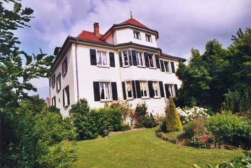 Bed & breakfasts Bas-Rhin, from 69 €/Nuit. House of character, Cosswiller (67310 Bas-Rhin), Guest Table, Garden, Park, WiFi, Baby Kits, Parking, 3 Single Bed(s), 1 Suite(s), 1 Childrens Bedrooms, 12 Maximum People, Lounge,...