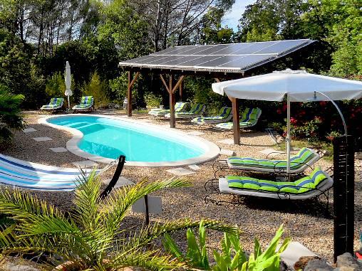 Chambre d'hote Var - Notre piscine vous attend après une belle randonnée