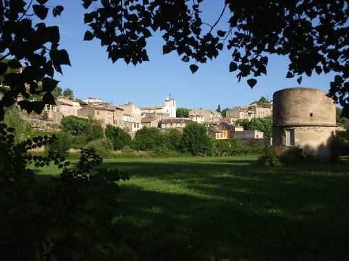 Bras - villagé perché au coeur de la Provence Verte