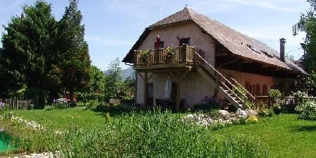 Gîte La Jument Verte Vue Gîte les Vaches en rez-de-jardin, les Oies au 1er étage