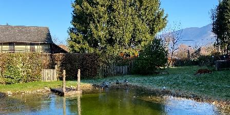 Gîte La Jument Verte La piscine naturelle en hiver