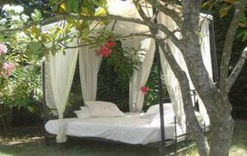 Chambre d'hote Vaucluse - la sieste dans le jardin
