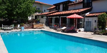 Domaine de Millox Le domaine de Millox coté piscine