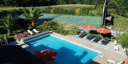Domaine de Millox Domaine de Millox,piscine + tennis