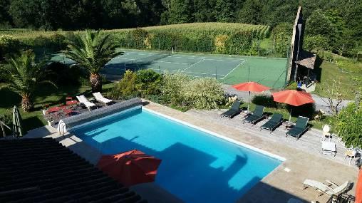 Chambre d'hote Landes - domaine de Millox,piscine + tennis