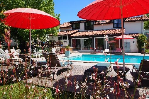 Chambre d'hote Landes - domaine de Millox,vue piscine
