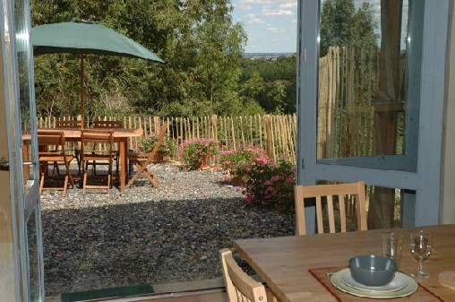 La terrasse du gîte des Frênes