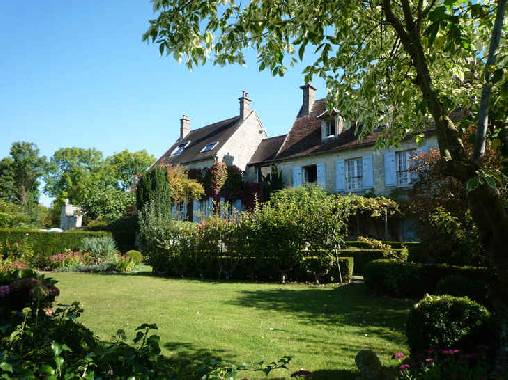Bed & breakfasts Oise, from 95 €/Nuit. House of character, Villeneuve sur verberie (60410 Oise), Charm, Guest Table, Swimming Pool, Garden, Park, Net, WiFi, Parking, 1 Double Bedroom(s), 1 Suite(s), 5 Maximum People, C...